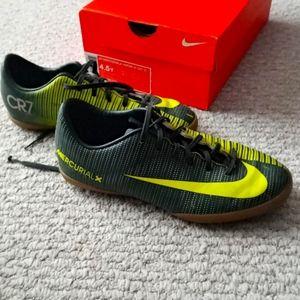 NIKE MERCURIALX JR VAPOR XI CR7 IC Soccer Shoes Sz 4.5